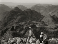 Bedouin in the mountains, Go tell it on the mountain,