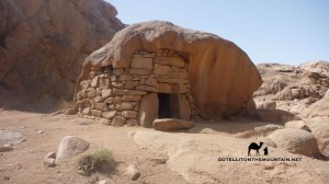 Rock shelter, Farsh Umm Silla, Sinai, Go tell it on the mountain_result