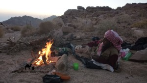 Bedouin with fire, Ben Hoffler, Go tell it on the mountain, Jiddet el ala
